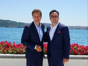 Dr. Oz and Mr. M. Ilker Ayci, Chairman of the Board and the Executive Committee of Turkish Airlines