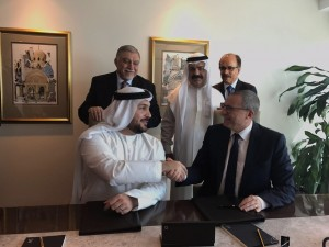 Signing ceremony between IHG and API Hotels & Resorts for Crowne PlazaR Dubai Business Bay and InterContinental Residence Suites Dubai Business Bay