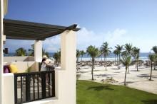 Deluxe Ocean Front - King Bed Terrace