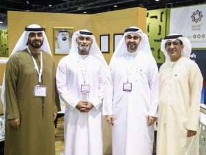 Mr Nayef Al Moosa, Mr Mohammad Khoori, HE Khalid Al Midfa (Photo - AETOSWire)_1556542045