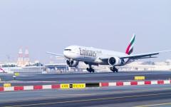 EmiratesB777landingontotherefurbishedsouthernrunwayatDXB
